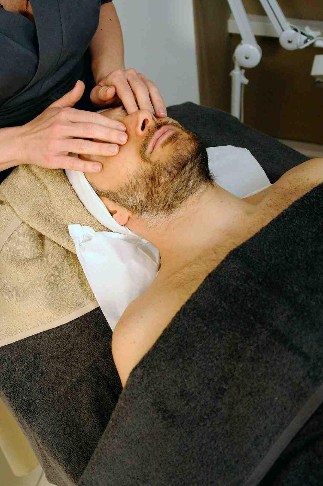 Comment effectuer un massage des sinus carotidiens