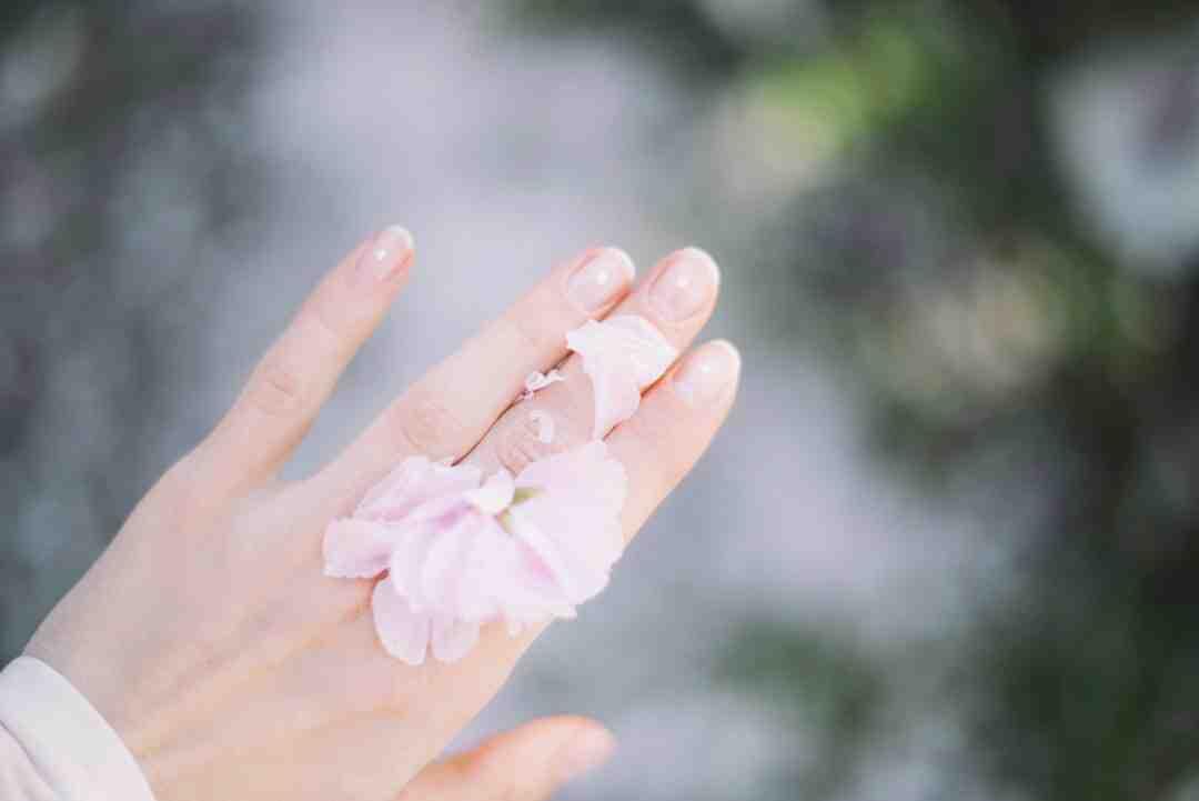 Comment soigner des ongles abimés